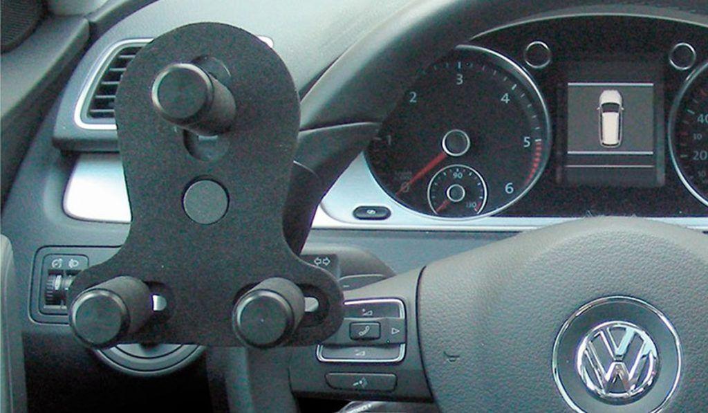 Empuñadura en el volante con tres pomos IP 2003/E | Guidosimplex