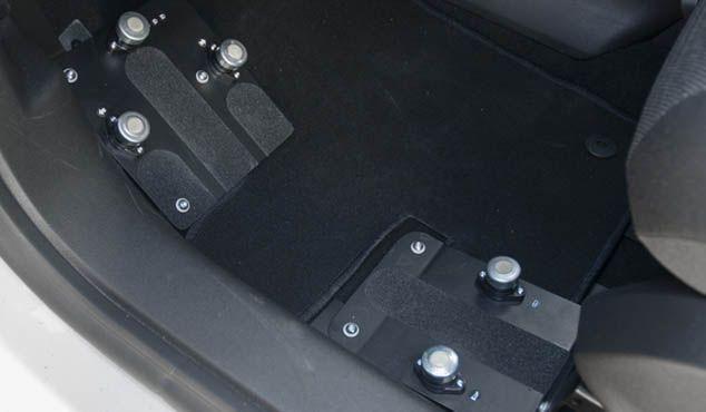 Pulsador de peda del panel de mandos auxiliares 197/10   Kivi
